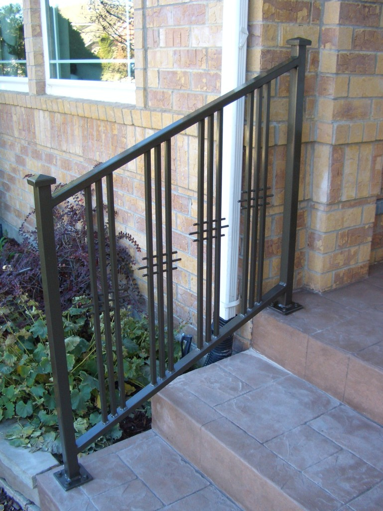 Image gallery stoop railings for Front balcony railing